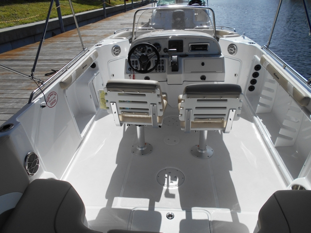 23' Hurricane Deck Boats